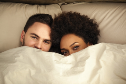 couple-in-bed_tmi